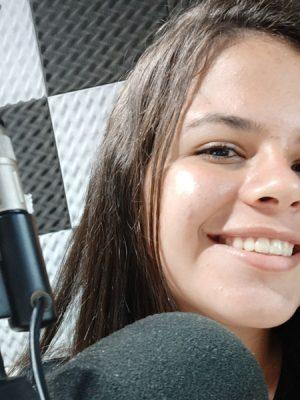 Apresenta o programa Top Sertanejo