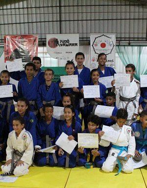 cerimonia-troca-de-faixas-projeto-judo-yawara